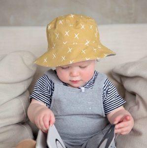Sombrero de bebe niña modelo campera
