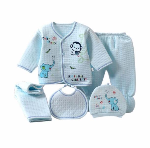 Como vestir a un recién nacido en el hospital