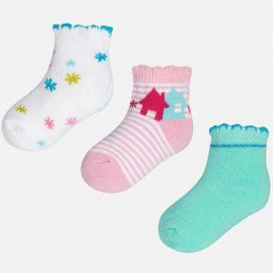 Colores variados de medias recién nacido niña