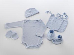Linda ropa recién nacido
