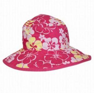 Novedoso sombrero de bebe floreado