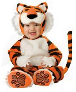 Tierno disfraz bebe tigre