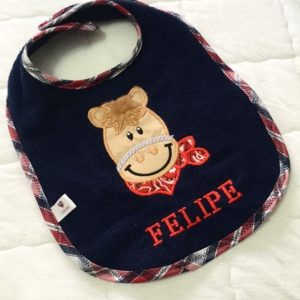 """Hermoso Babero personalizado con nombre de bebe """"Felipe"""""""