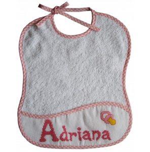 """Lindo babero con nombre de bebe """"Adriana"""""""
