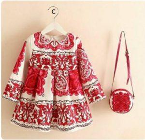 Conjunto vestido con cartera, color rojo