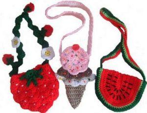 Hermosas carteras tejidas con diseño de frutas