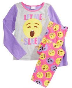 Hermosa pijama niña, diseño caritas