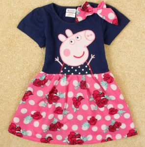 Bello vestido Peppa  floreado con lazo