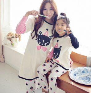 Pijama iguales para madre e hija