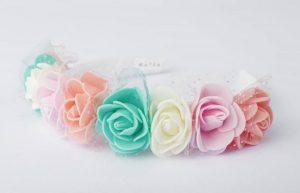 Tierna vincha con rosas de colores