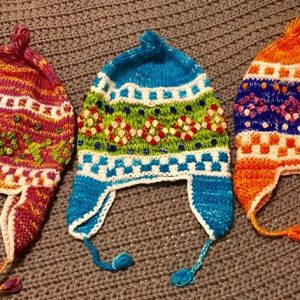 Coloridos chullos andinos