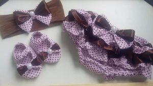 conjunto de calzóncon bobos, vincha y zapatos