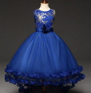 Hermoso vestido de promoción color azulino