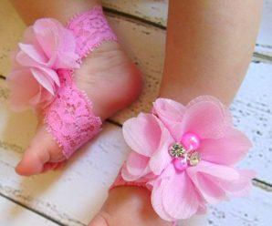 Hermosas sandalias pies descalzos para bebe mujercita