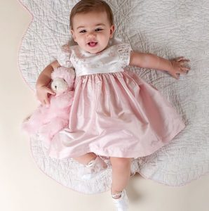 Vestido de bautizo color rosado