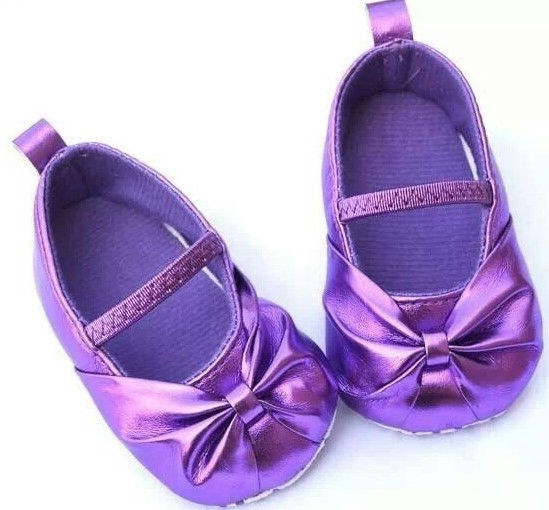 zapato para bebita color morado