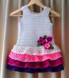 lindo vestido para niña tejido a mano