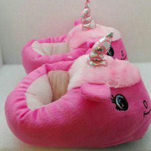 pantufla con diseño de unicornio color fucsia