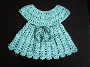 vestido tejido para niña color celeste