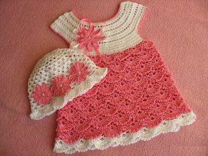 vestido tejido para niña con sombrero