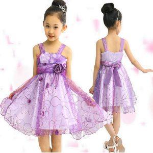 bello vestido de fiesta de promocion primaria