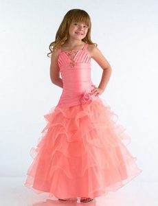 novedosos vestido color coral para promocion
