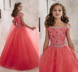 hermoso vestido de fiesta de promoción color coral